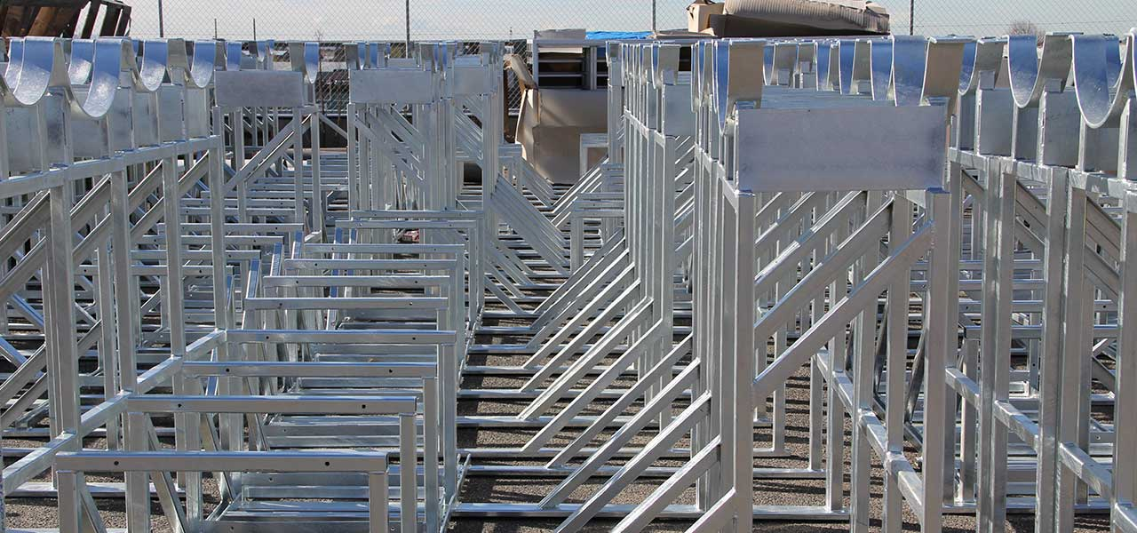 06-mechcon-case-study-balustrade-handrails-pressure-pipe-fabrication-steel-roof-plant-platforms-upgrade-melbourne-markets-1200x600px.JPG