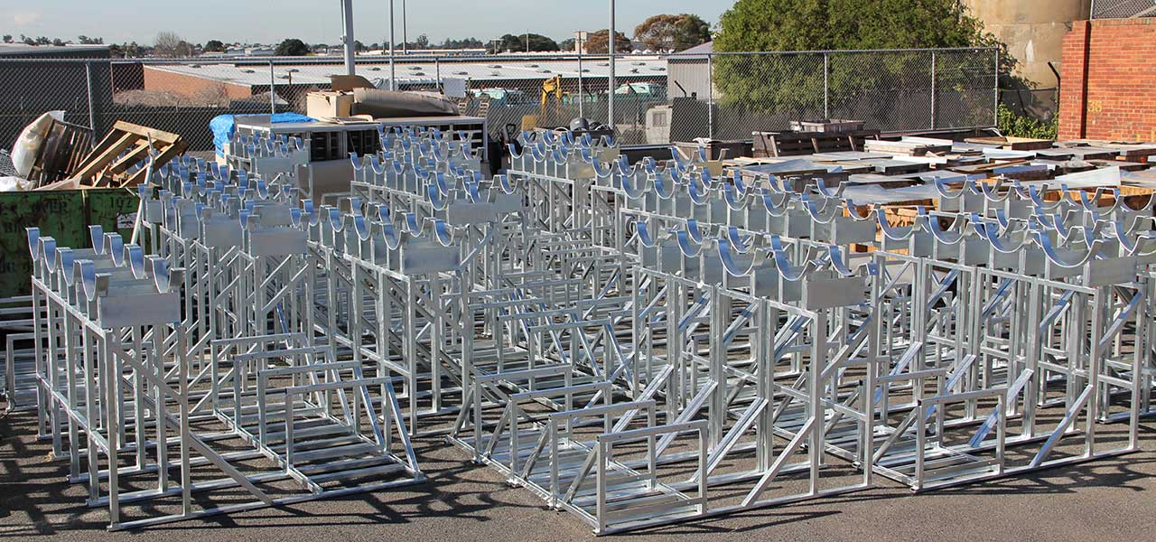 07-mechcon-case-study-balustrade-handrails-pressure-pipe-fabrication-steel-roof-plant-platforms-upgrade-melbourne-markets-1200x600px.JPG
