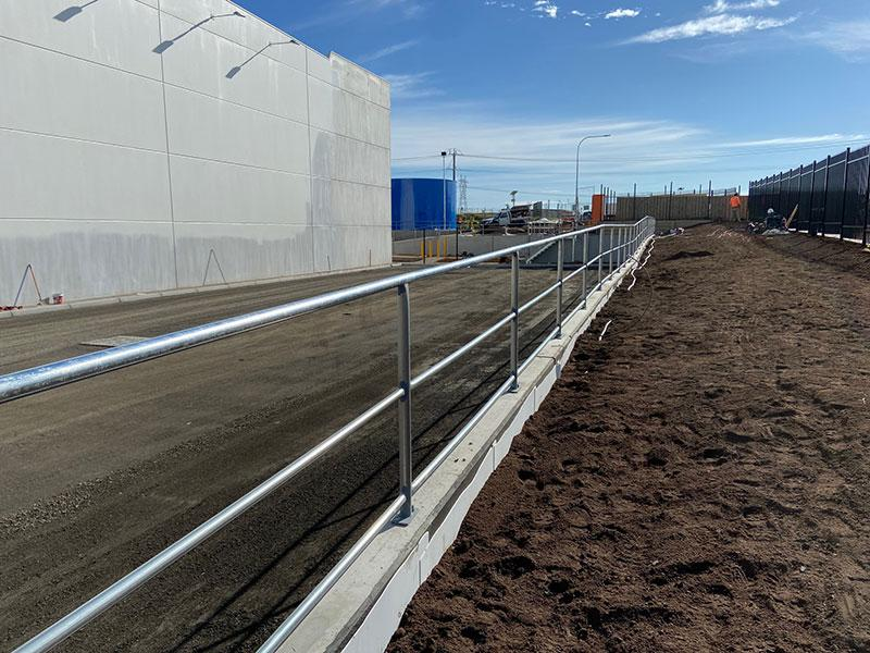 02-mechcon-steel-fabrication-Retaining-Wall-Handrails-and-Guard-Railing-Fall-Protection