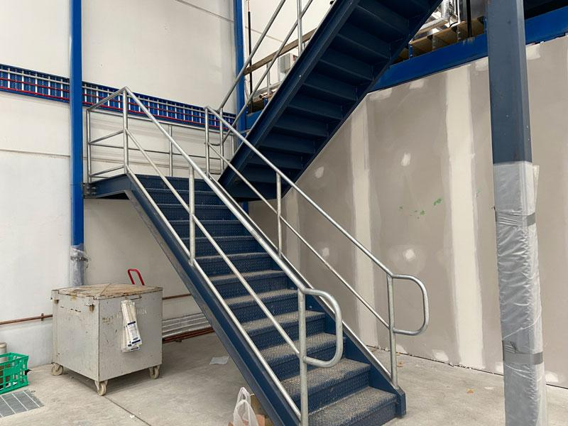 mechcon-steel-fabrication-handrails-balustrades-roof-plant-platforms-IMG_3262