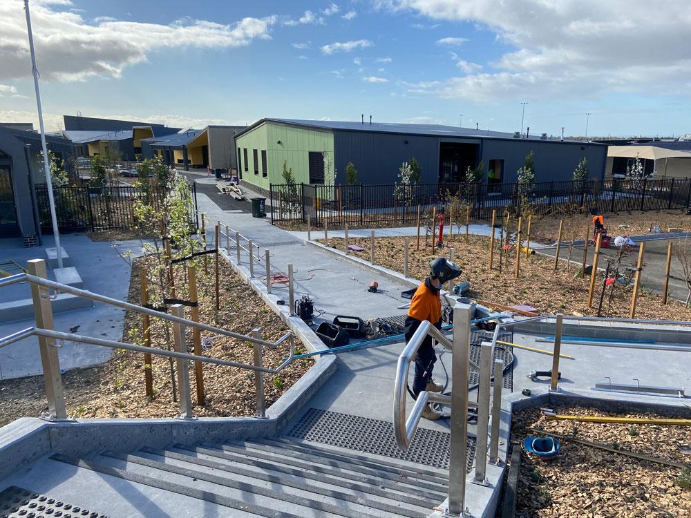 mechcon-edgars-creek-primary-school-–-victorian-school-metal-work-and-handrails-and-balustrades-Photo-22-9-20,-8-16-19-am